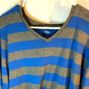 XXL vintage Tommy Hilfiger blue and grey sweater